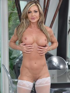 Nina Dolci profile image