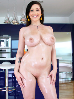 Noelle Easton profile image